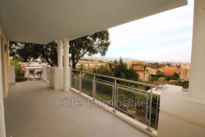 appartement  4 rooms  Antibes Near the center  80 m² -