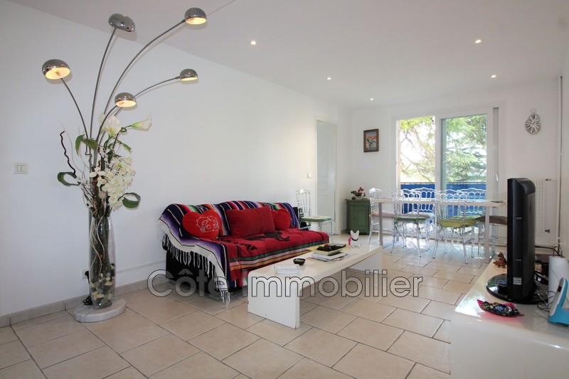 appartement  4 rooms  Antibes Near the center  68 m² -