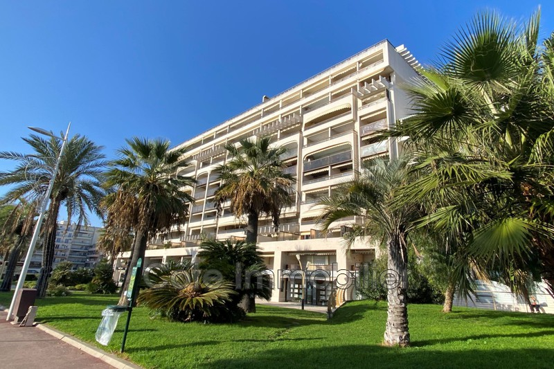 appartement  4 rooms  Juan-les-Pins   110 m² -