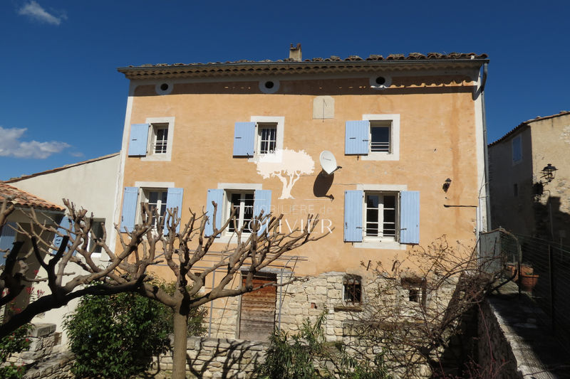 Photo Maison de village Caseneuve Luberon village,  Location maison de village  2 chambres   90 m²