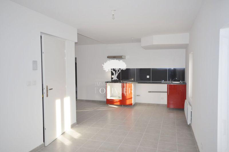 Photo Appartement Apt Proche centre ville,  Location appartement  3 pièces   64m²