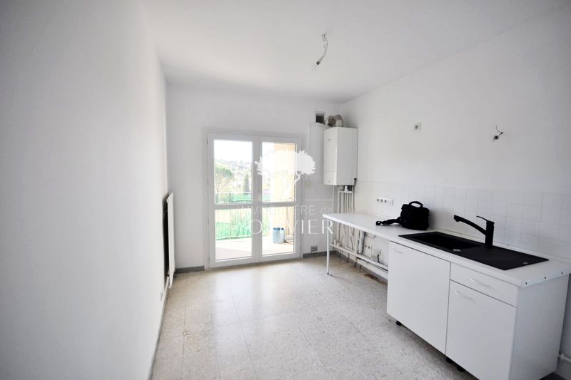 Photo Apartment Apt Luberon les lavandes,  Rentals apartment  3 rooms   59 m²