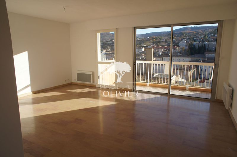 Photo Apartment Apt Proche centre-ville,  Rentals apartment  3 rooms   70 m²