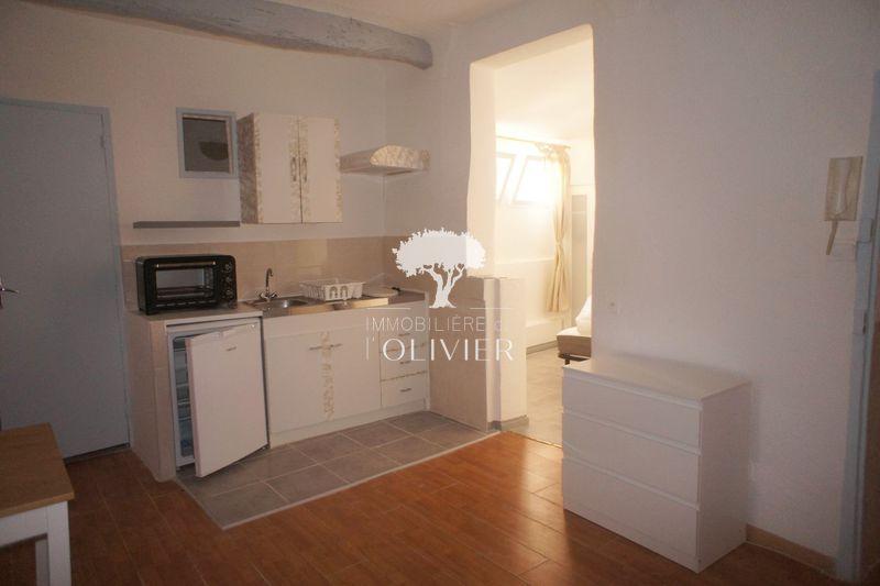 Photo n°2 - Location appartement Apt 84400 - 390 €
