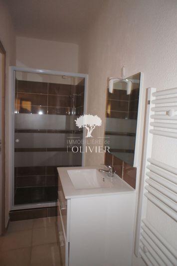 Photo n°5 - Location appartement Apt 84400 - 410 €