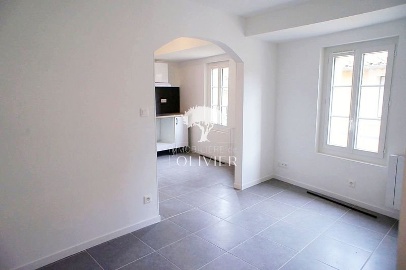 Photo Appartement Apt Centre-ville,  Location appartement  3 pièces   42 m²