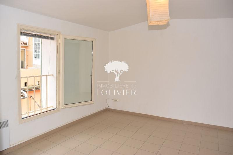 Photo n°2 - Location appartement Apt 84400 - 445 €