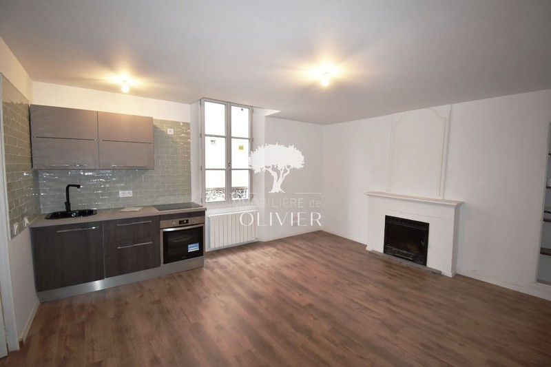 Photo Appartement Apt Centre-ville,  Location appartement  4 pièces   61 m²