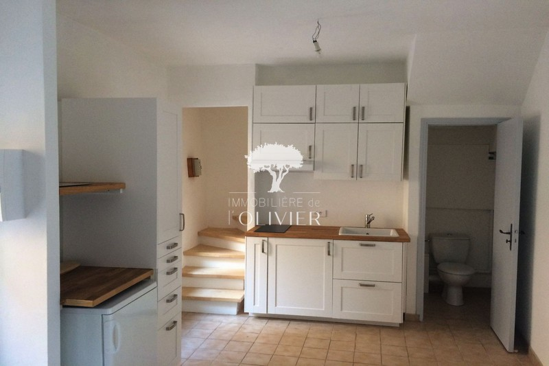 Photo Appartement Saint-Saturnin-lès-Apt Luberon,  Location appartement  2 pièces   36 m²
