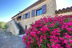 Photos  Maison Villa à vendre Saint-Saturnin-lès-Apt 84490