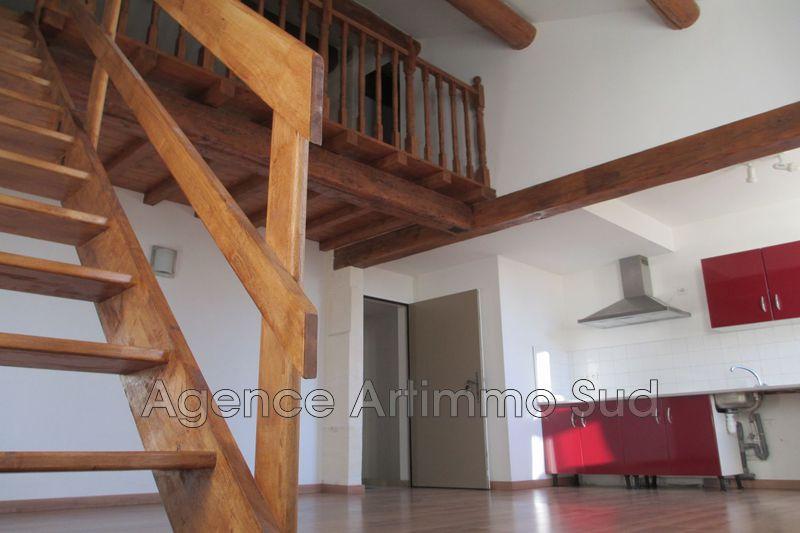 Photo Appartement Aureille  Location appartement  3 pièces   65m²