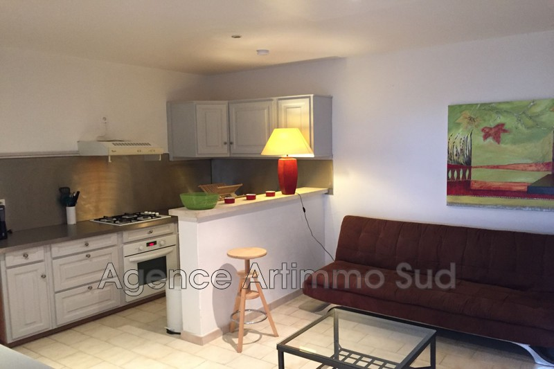 Location appartement Aureille