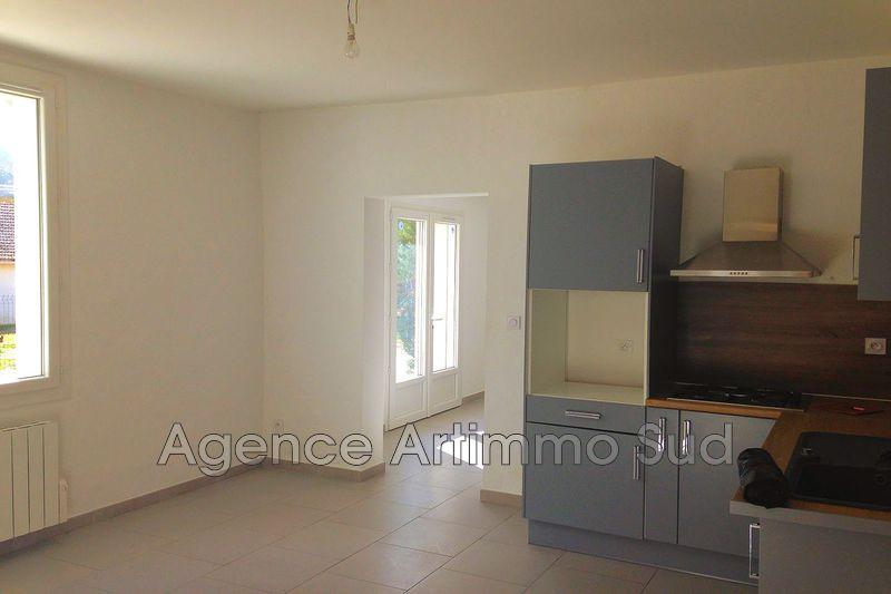 Photo n°2 - Location maison de campagne Aureille 13930 - 1 100 €