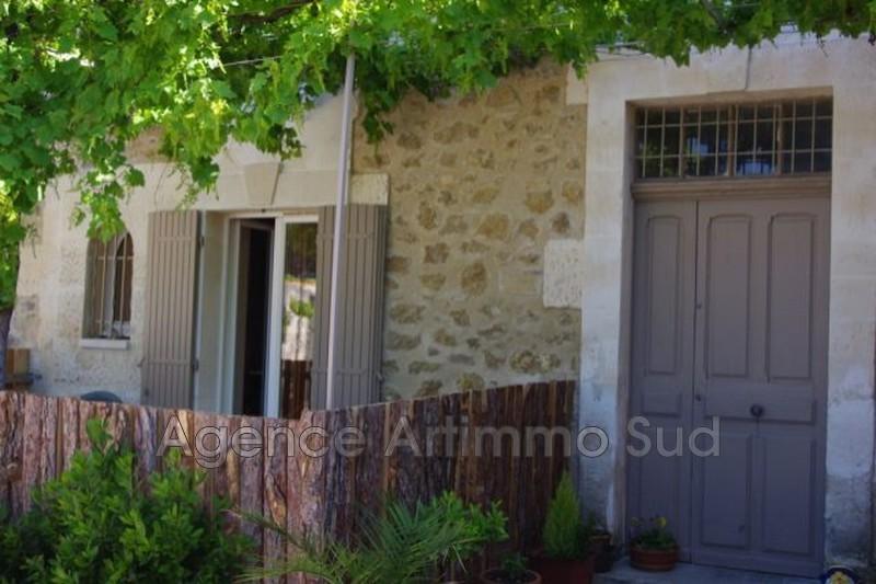 Photo Appartement Aureille  Location appartement  3 pièces   55m²