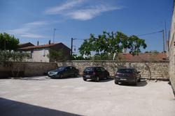 Photos  Garage Parking à vendre Eyragues 13630