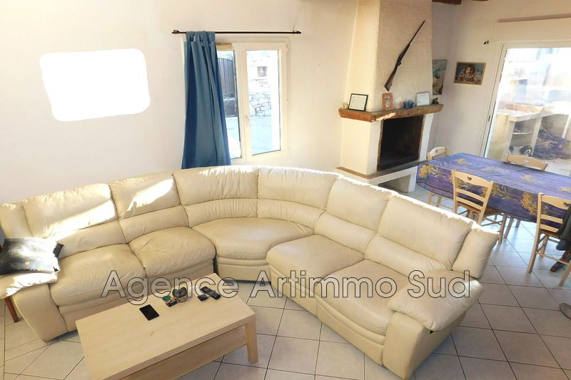 Photo n°1 - Vente maison de village Aureille 13930 - 284 000 €