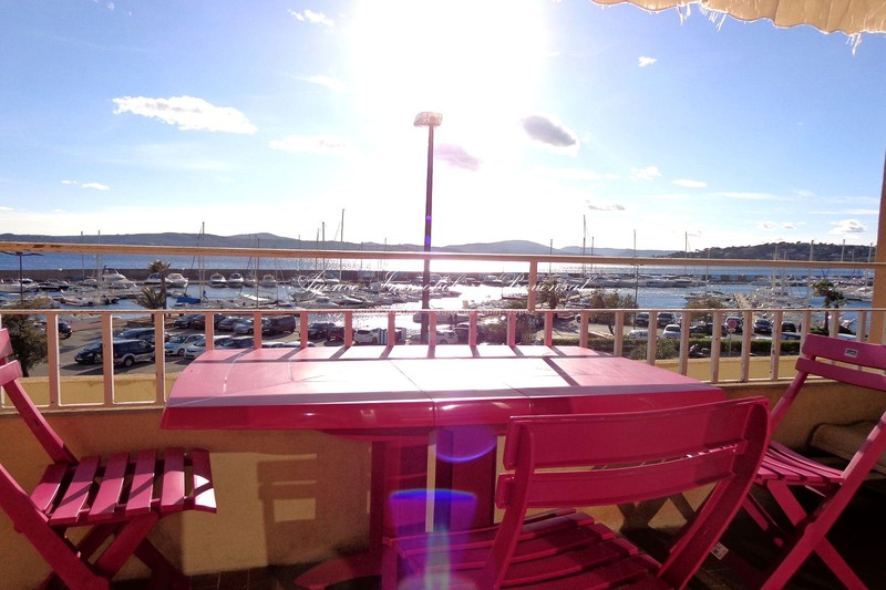 Location appartement Sainte-Maxime  Apartment Sainte-Maxime Bord de mer,  Rentals apartment  1 room   35 m²