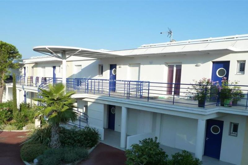 Photo n°3 - Vente Appartement rez-de-jardin Sainte-Maxime 83120 - 541 000 €