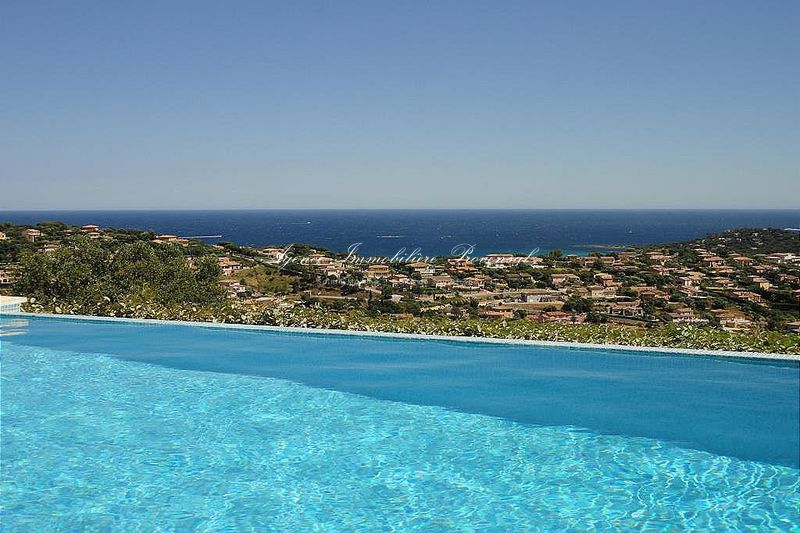 Vente villa avec vue sur mer Sainte-Maxime  Villa with sea views Sainte-Maxime Golf sainte maxime,   to buy villa with sea views  4 bedroom   170 m²