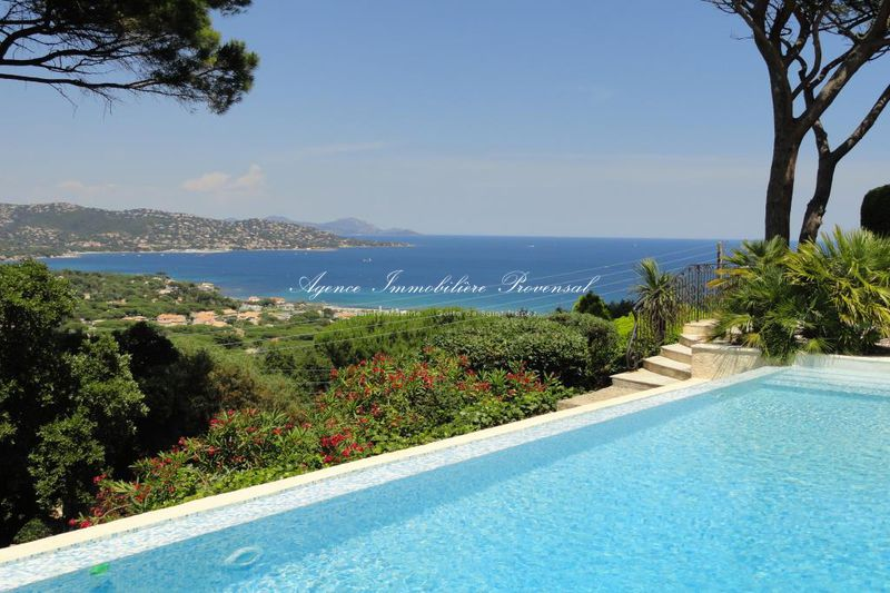 Vente villa avec piscine et vue mer Sainte-Maxime  Villa with pool and sea view Sainte-Maxime Sémaphore,   to buy villa with pool and sea view  4 bedroom   200 m²
