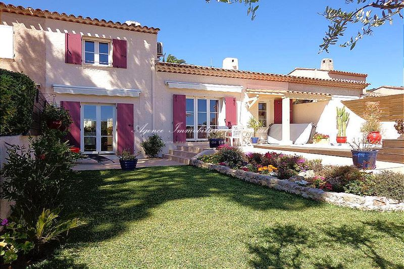 Vente maison mitoyenne Sainte-Maxime  Townhouse Sainte-Maxime Secteur residentiel,   to buy townhouse  3 bedroom   101 m²