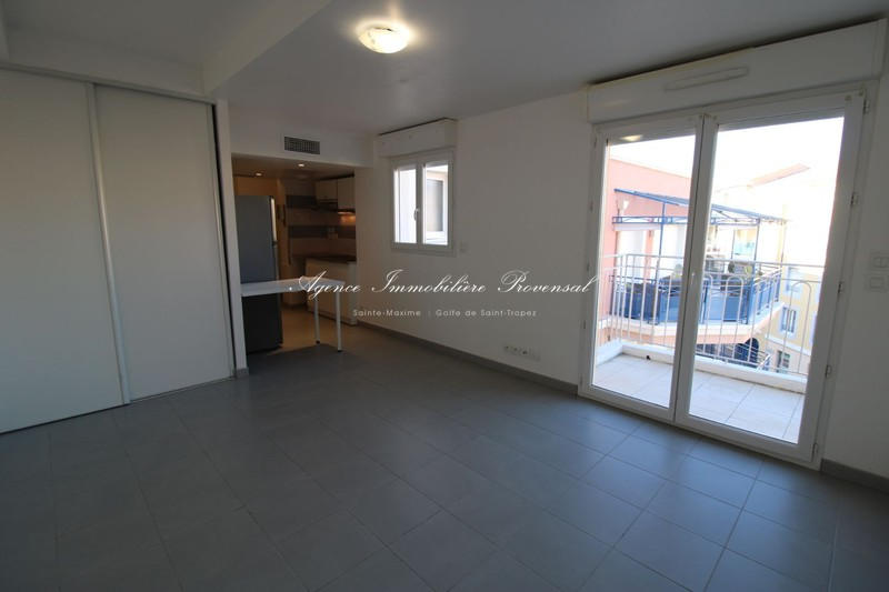 Vente appartement Sainte-Maxime  Apartment Sainte-Maxime Centre-ville,   to buy apartment  1 room   26 m²
