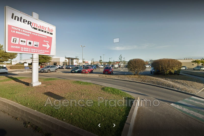 Photo Local professionnel Martigues Zac de croix sainte,  Professionnel local professionnel   1090 m²