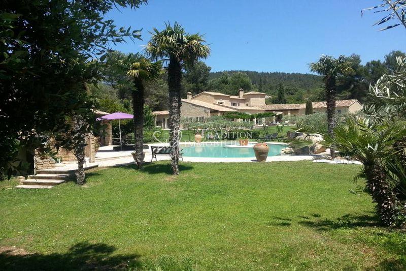 Photo Propriété Les Baux-de-Provence Campagne,  Location saisonnière propriété  5 chambres   300m²
