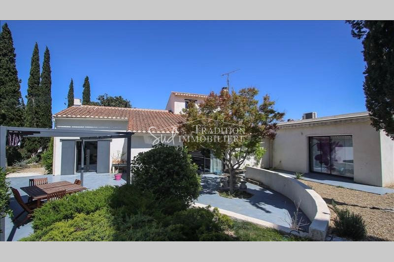 Photo House Fontvieille Proche centre,   to buy house  6 bedrooms   250m²