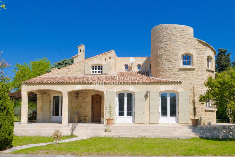 Photo House Mouriès Proche centre,   to buy house  4 bedrooms   156m²