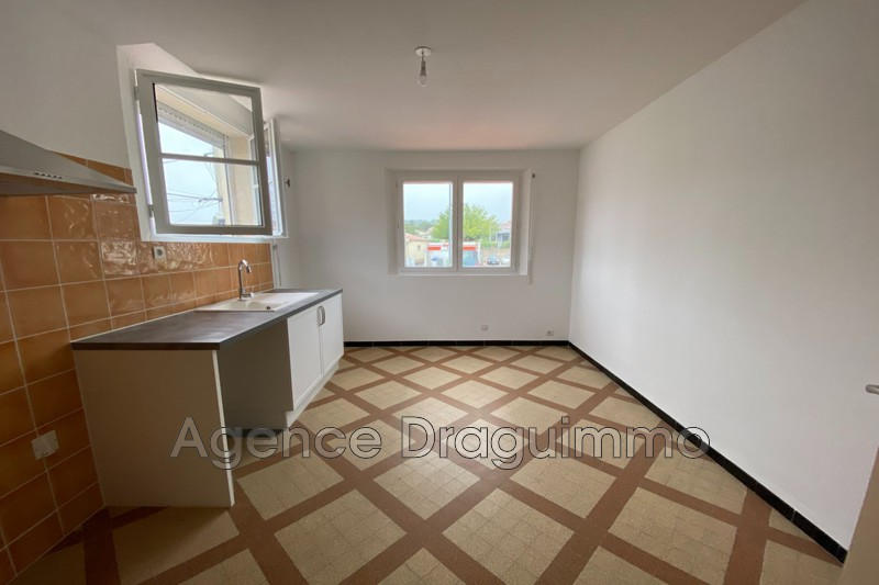Photo n°2 - Location appartement Draguignan 83300 - 740 €