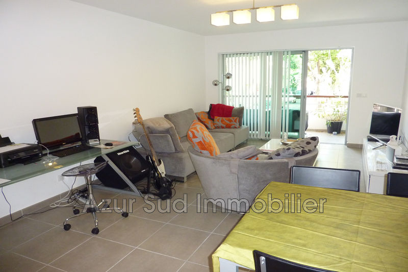 Photo Apartment Juan-les-Pins Proche plages,   to buy apartment  3 rooms   69 m²