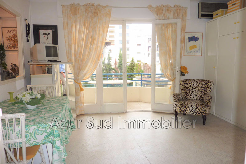 Photo Apartment Juan-les-Pins Proche plages,   to buy apartment  1 room   24 m²