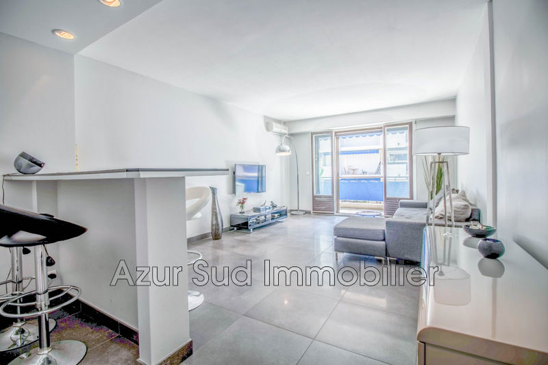 Photo Apartment Juan-les-Pins Centre-ville,   to buy apartment  3 rooms   70 m²