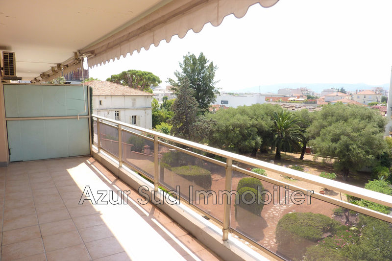 Photo Apartment Juan-les-Pins Proche plages,   to buy apartment  2 rooms   50 m²