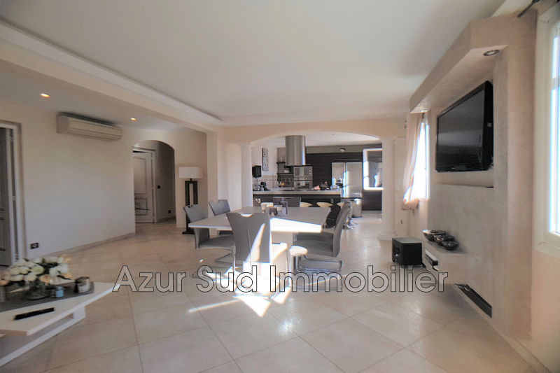 Apartment Golfe-Juan Proche plages,   to buy apartment  3 rooms   100 m²