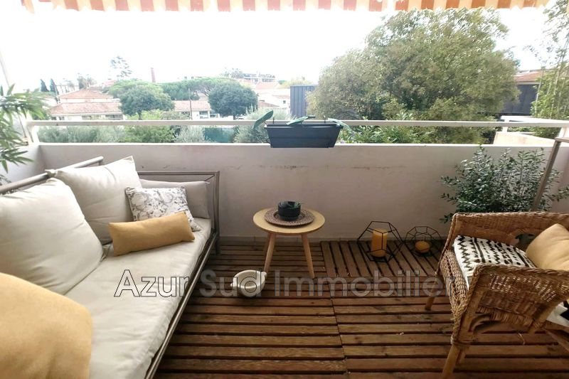 Photo Apartment Golfe-Juan Proche plages,   to buy apartment  3 rooms   65 m²