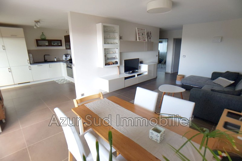 Photo Appartement Antibes Combes,   achat appartement  3 pièces   68 m²