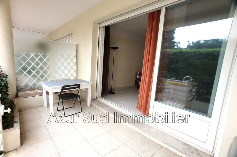 Photo Apartment Juan-les-Pins Front de mer,   to buy apartment  2 rooms   35 m²