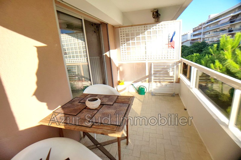 Photo Apartment Juan-les-Pins Centre-ville,   to buy apartment  3 rooms   65 m²