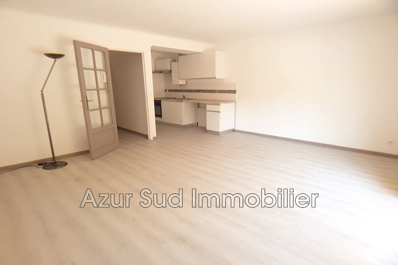 Photo Appartement Antibes Centre-ville,   achat appartement  1 pièce   29 m²