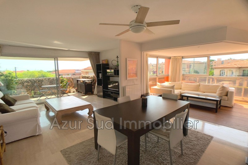 Photo Apartment Antibes Proche plages,   to buy apartment  2 rooms   55 m²