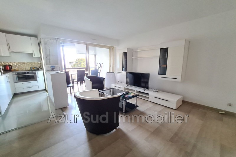 Photo Apartment Juan-les-Pins Bord de mer,   to buy apartment  1 room   35 m²