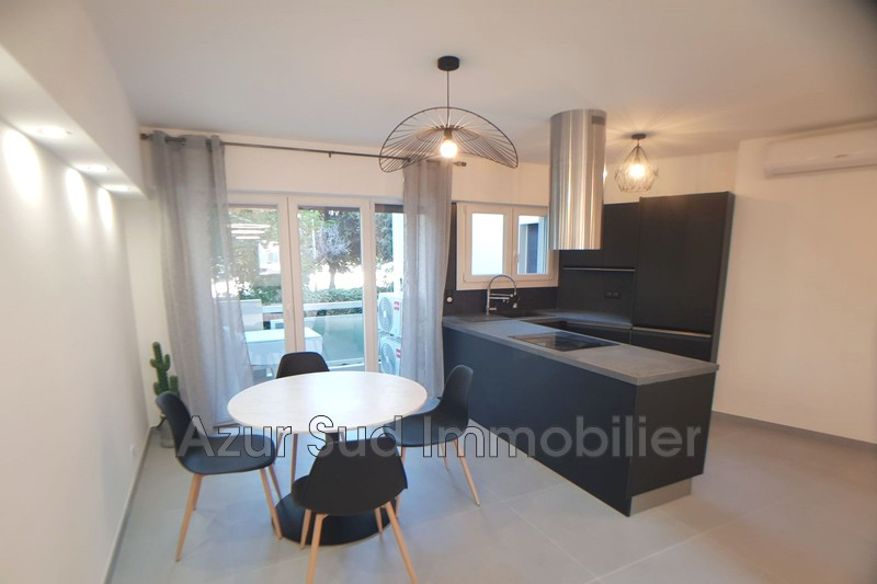 Photo Apartment Juan-les-Pins Proche plages,   to buy apartment  2 rooms   43 m²