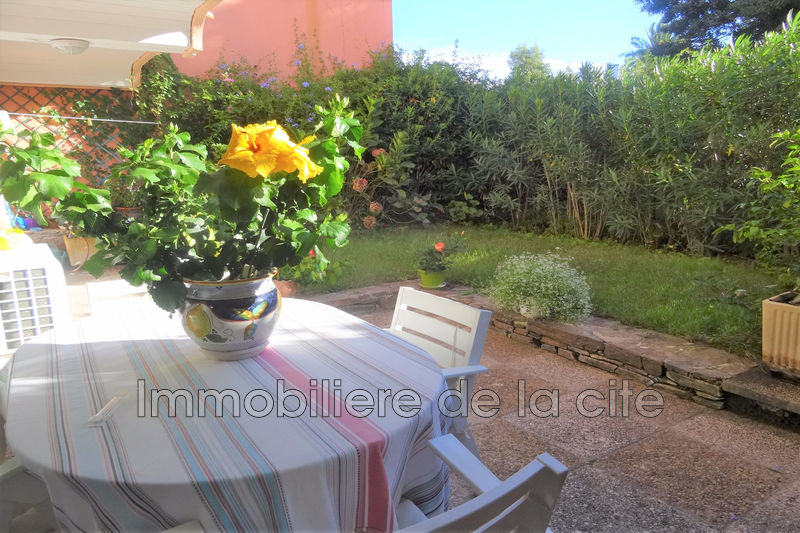 Photo Appartement Saint-Tropez Centre-ville,   achat appartement  2 pièces   63 m²