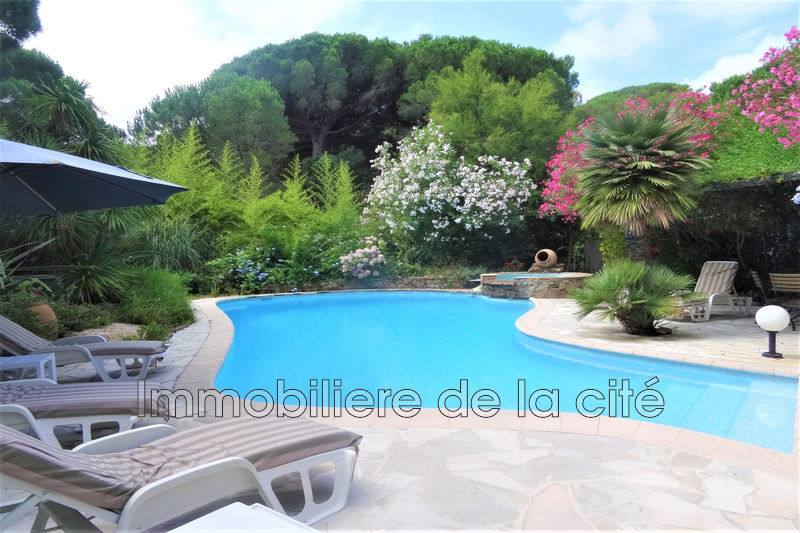 Photo Luxury property Ramatuelle Bord de mer,   to buy luxury property  4 bedrooms   200 m²