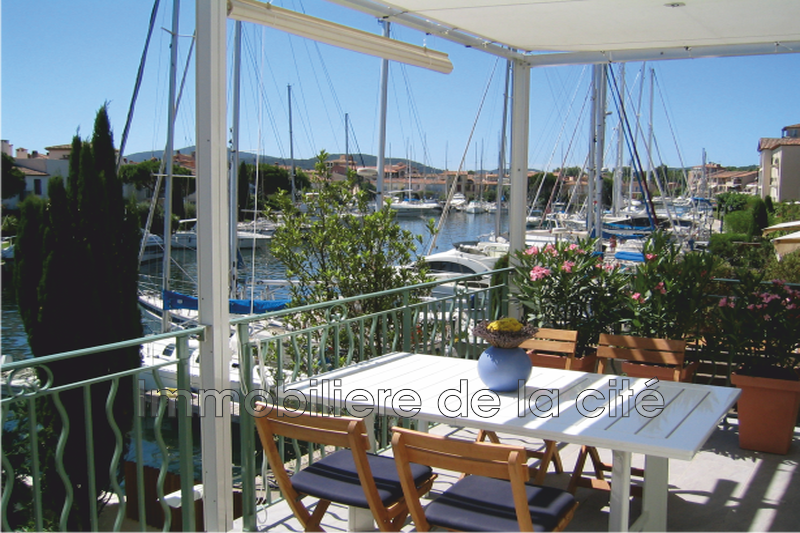 Photo Cassine Port grimaud Amarrage 17,50 x 5,80 m,   achat cassine  2 chambres   84 m²