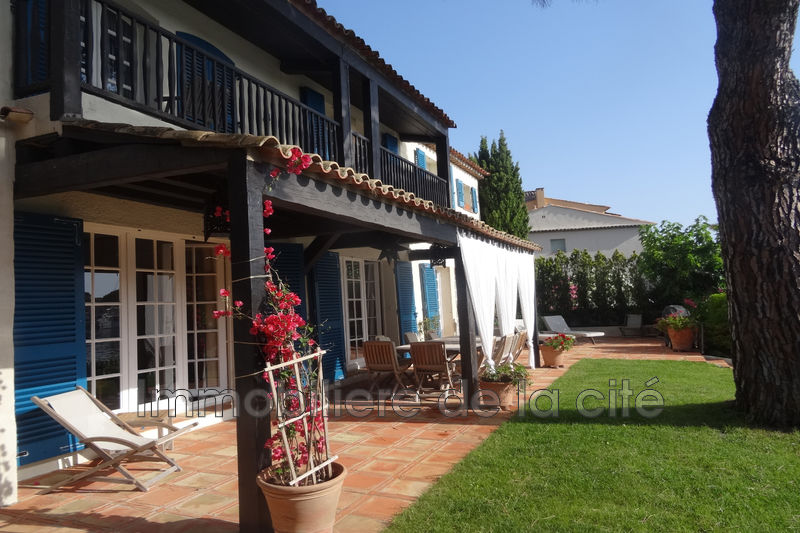 Photo Borderive et maisons spéciales Port grimaud Amarrage 19 x 13 m,   achat borderive et maisons spéciales  8 chambres   290m²