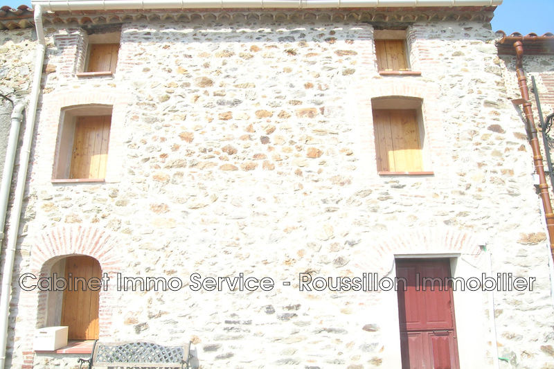 Photo n°1 - Location maison de village Oms 66400 - 540 €