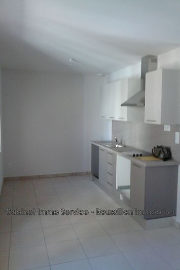 Appartement Brouilla  Location appartement   73 m²